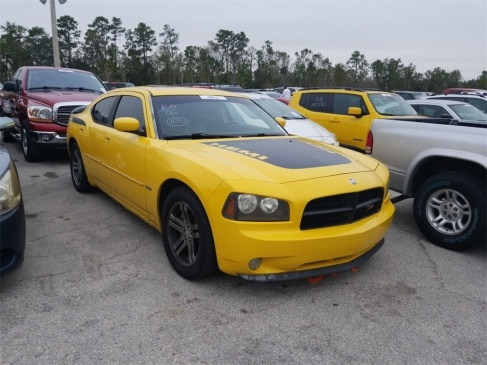 2006_dodge_charger-pic-2954784989052713578-1024x768